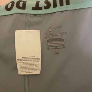 Nike Dri-fit shorts medium excellent condition